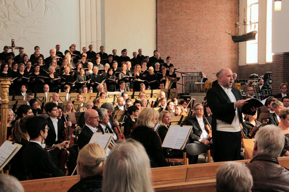 Konzert der Lukaspassion von Penderecki in der Kulturkirche Martin-Luther Emden / Foto: Hartmut Dübbel